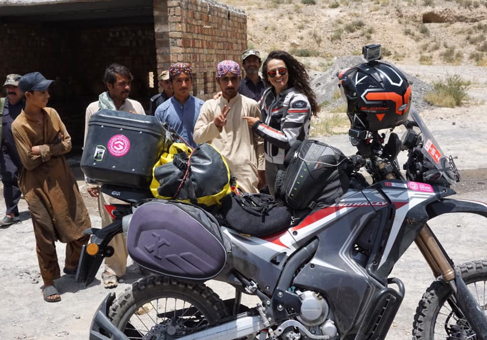 66399963 10161947365055640 2808520823281811456 n - Turkish female biker Asil Özbay visits Pakistan