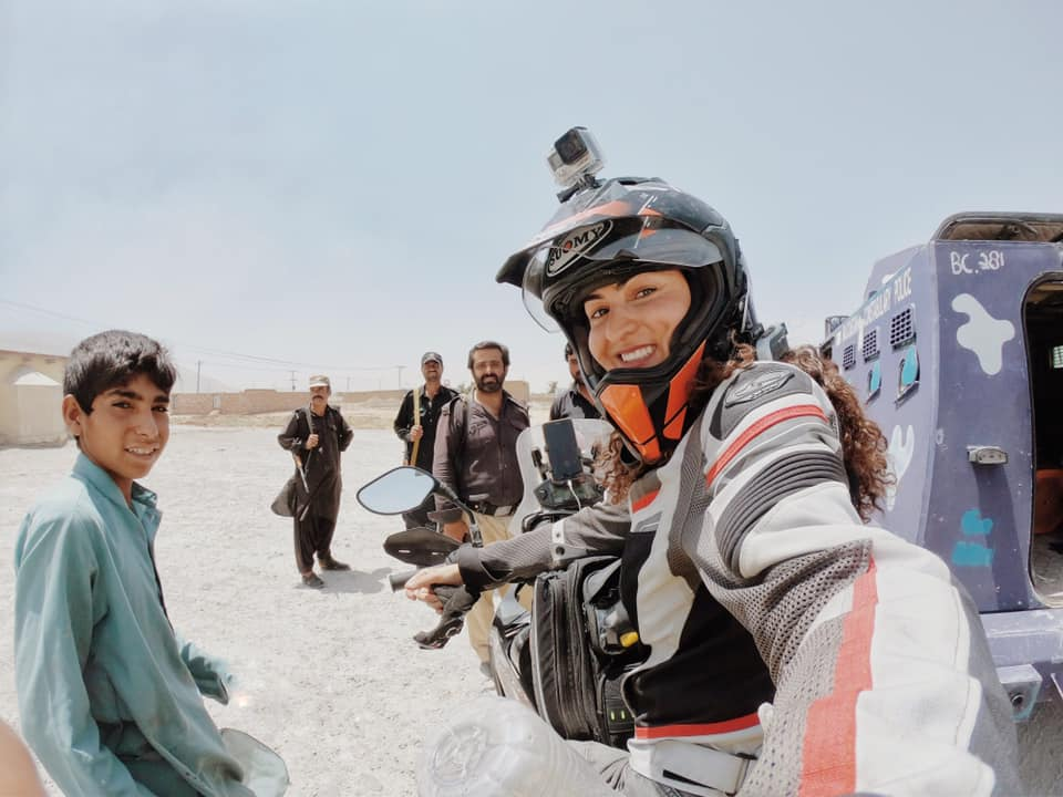 66497247 10161945586570640 5976967778643476480 n - Turkish female biker Asil Özbay visits Pakistan