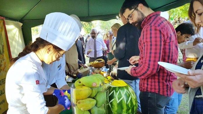 APP44 27Ankara 696x446 - Turkish Embassy Pakistan organized Mango & Biryani Festival in Ankara