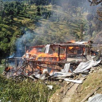 EAyAxNpXYAMNeWd - Heaven under attack; Neelum Valley | India violates ceasefire