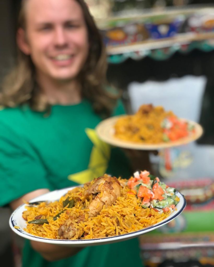 Alexandar loves the taste of Baryani DailyLife.PK  819x1024 - American YouTuber Alexander sings Dil Dil Pakistan on 14 August