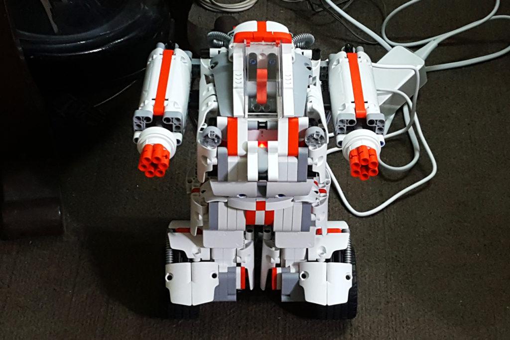 B 1 1024x683 - MI Robot Builder | A Cool, Educational And Fun Robot