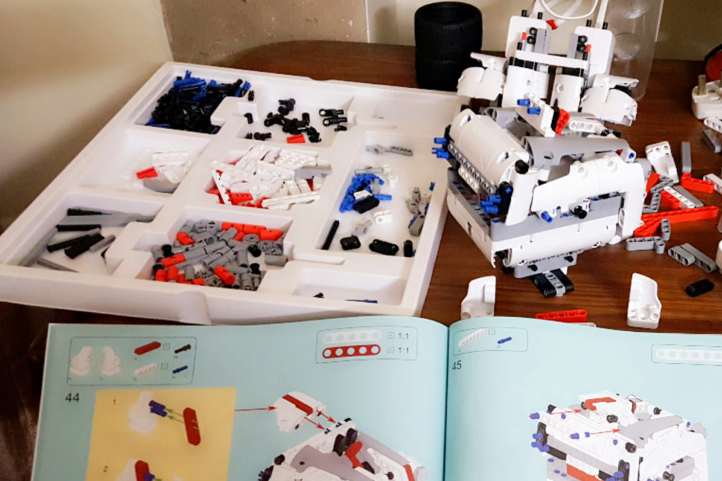 OK 1024x683 - MI Robot Builder | A Cool, Educational And Fun Robot
