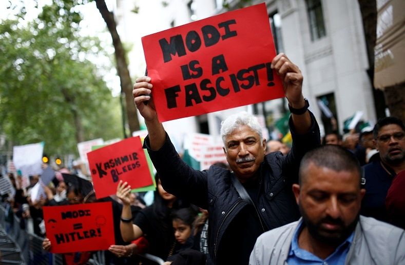 uk3 reuters - Protests around the globe for Occupied Kashmir against India's decision